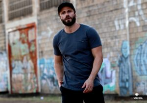 modelo masculino roupas estilo urbano